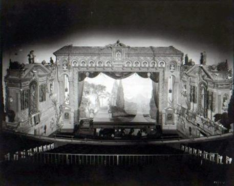 capitoltheaterflintstage