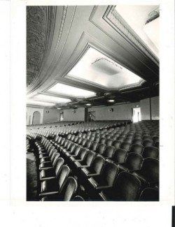 capitoltheaterflintunderbalcony