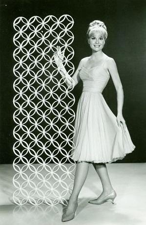 Lynn_Borden_1962