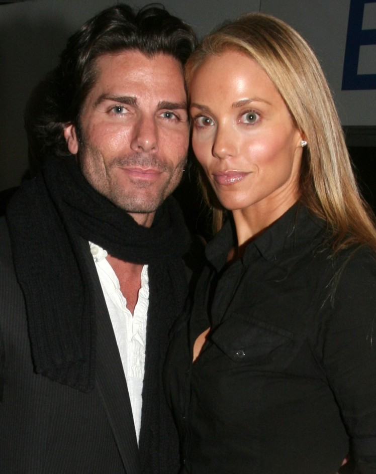 Elizabeth_Berkley and Greg_Lauren